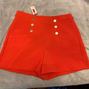 Red sailor shorts!